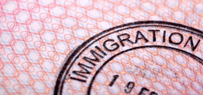 Immigration Pros and Cons: What Both Parties Think